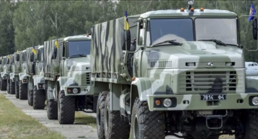 Camions militaires pris aux Ukrainiens par le pro-Russes